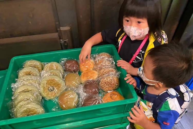 No Age Limit for Breadline volunteers